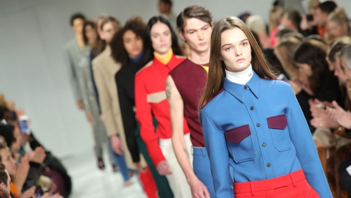 mode 2018 calvin klein, Raf Simons collection pour la semaine de la mode new york nyfw 2018 marque de mode