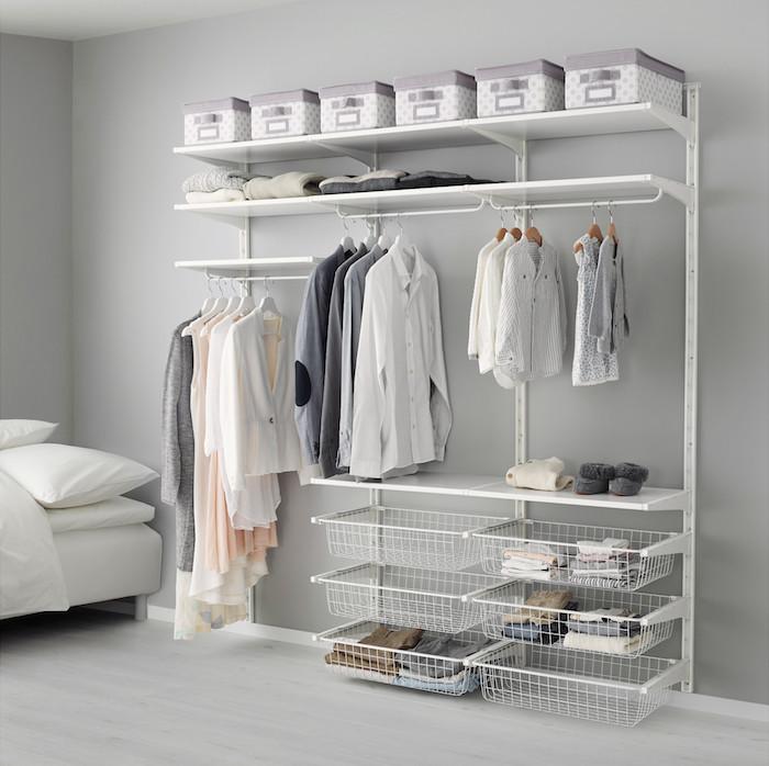 Dressing chambre penderie basse dressing ouvert beau design déco, tout en gris et blanc chambre a coucher