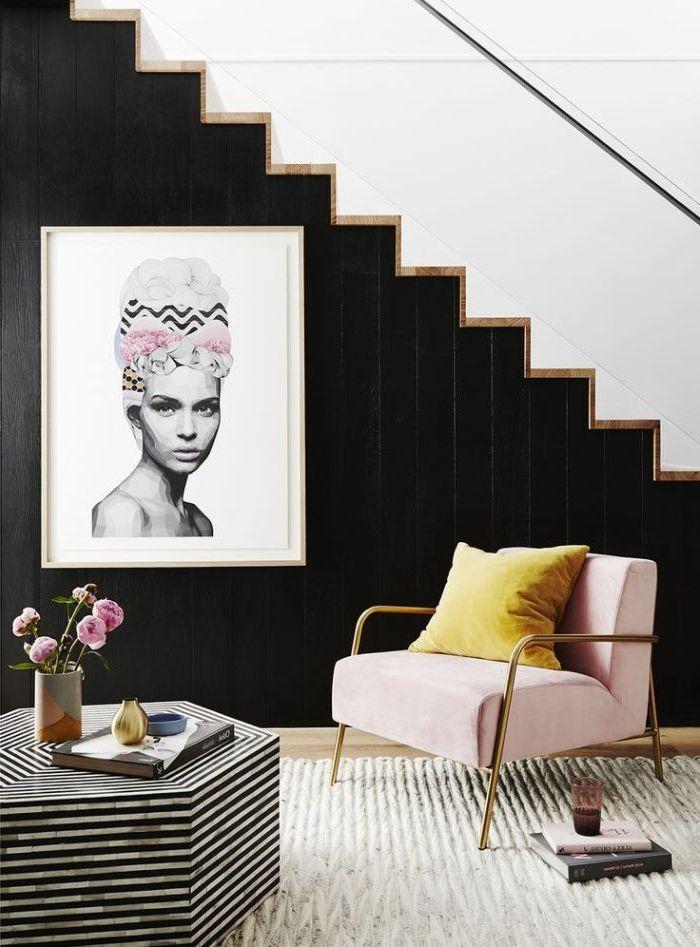 idée originale pour peindre une cage d'escalier en 2 couleurs et créer un joli effet graphique, déco cage escalier élégante et féminine en noir et blanc