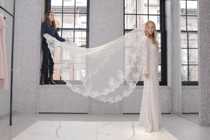 quelle voile pour une robe de mariée élégante, modèle de robe à manches raffinée en dentelle, robe de mariée 2018 2019