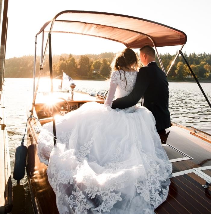 robe de princesse avec jupe de bal et dos à boutonnage en perles, modèle de robe de mariée manche dentelle
