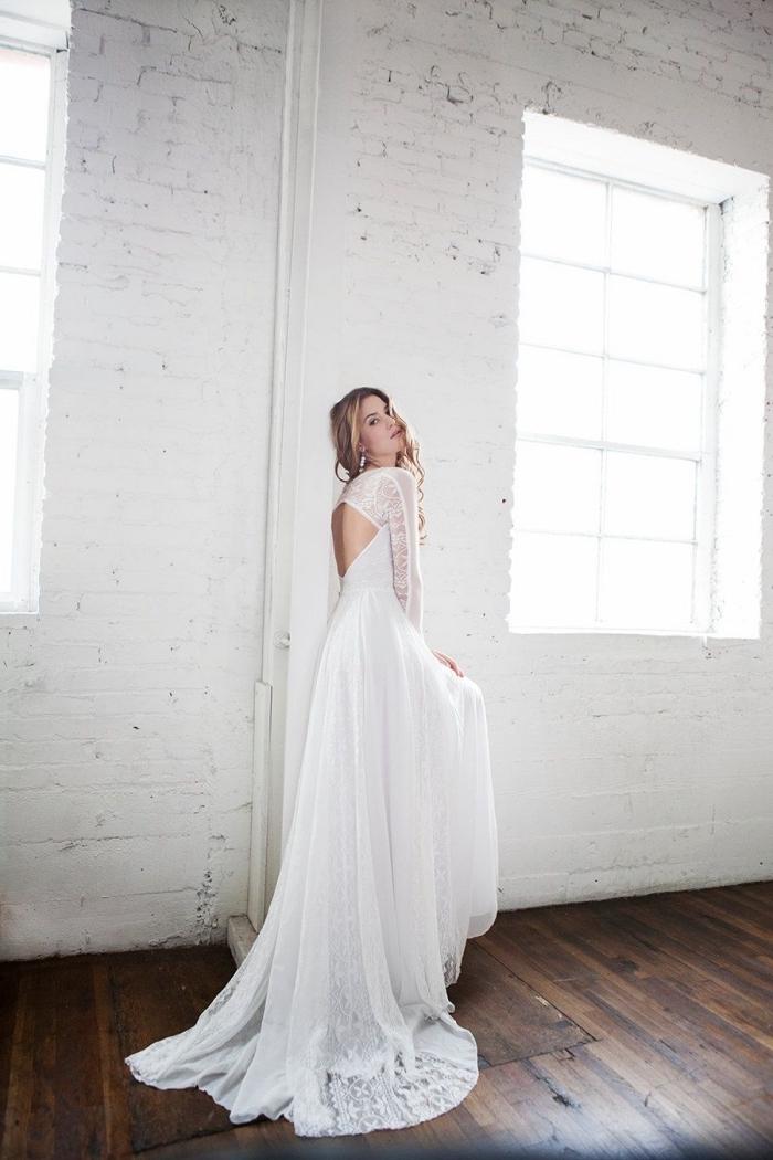 vision romantique pour femme mariage, robe de mariée manche dentelle à dos nu en losange et applications dentelle