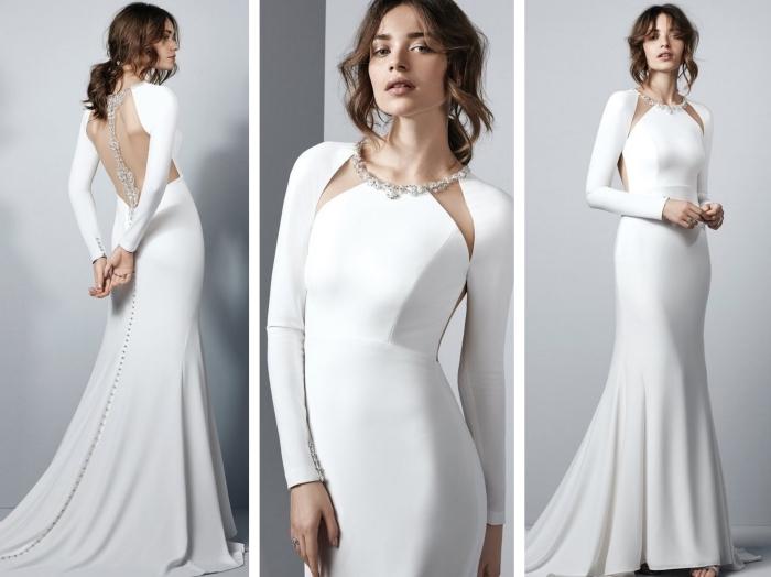 robe de mariée simple à design original avec longue traîne et dos échancré, robe blanche avec bijou autour du cou et sur le dos