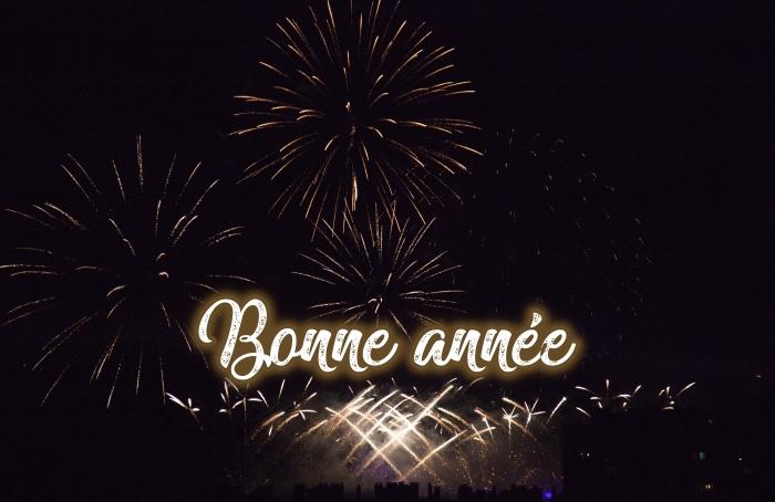 bonne et heureuse année 2019, photographie feux d'artifice, photo spectacle célébration de nouvel an avec feux d'artifice