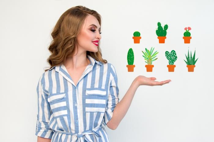 sticker mural motifs petits pots de cactus qui égayent le mur blanc, créer un sticker décoratif personnalisé à partir d'une image ou un texte