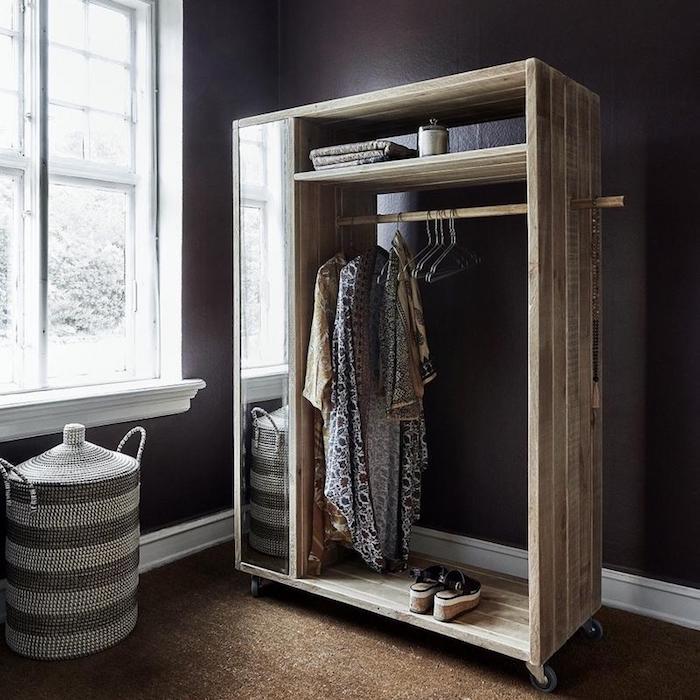 Petit dressing dressing chambre meuble rangement chambre, basket vetements sous le fenetre