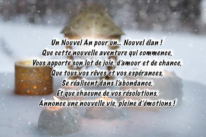 image nouvel an 2019, photo avec flocons de neige qui tombe et bougies allumés, idée carte de voeux avec citation