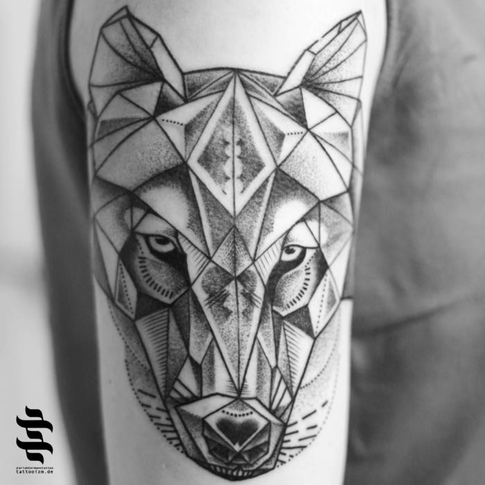 Tatouage homme épaule, tatouage liberté renard, inspiration dessin original stylé, loup géométrique