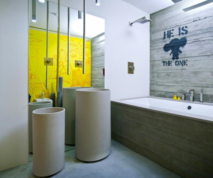 Meuble salle de bain vintage, décoration pour ma salle de bains magnifique design salle de bain original mur jaune et une mur gris avec sticker mural