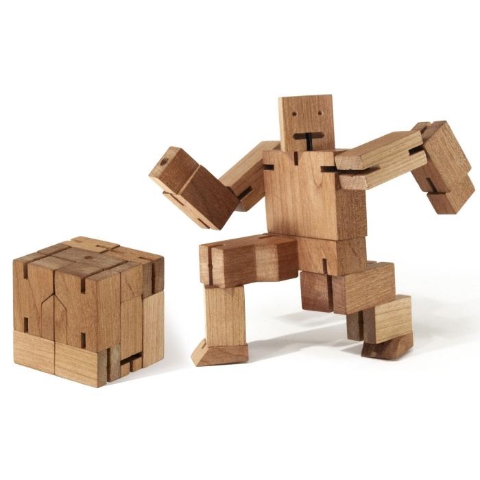 jouet intelligent puzzle en bois cubebot avec postures variées, cadeau insolite homme qui a gardé une âme d enfant,