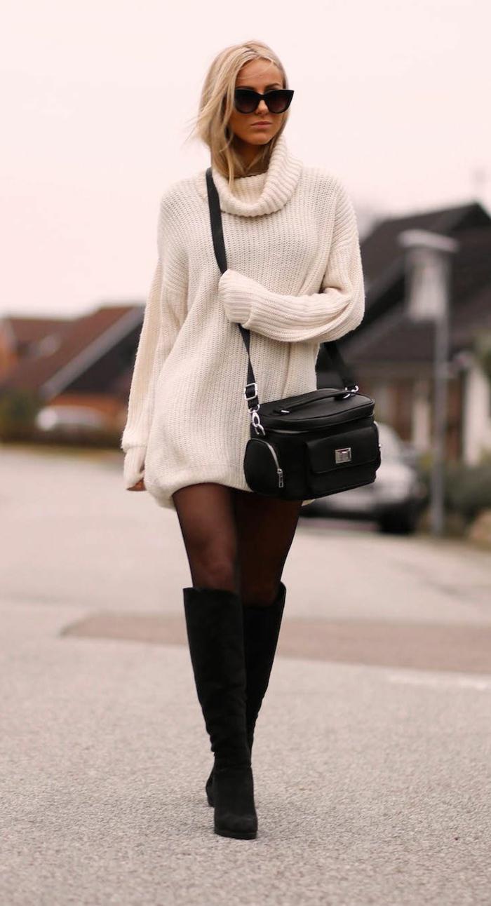 longues bottes noires, collant fin, pull blanc, lunettes de soleil, sac épaule noir, combiner le pull en maille
