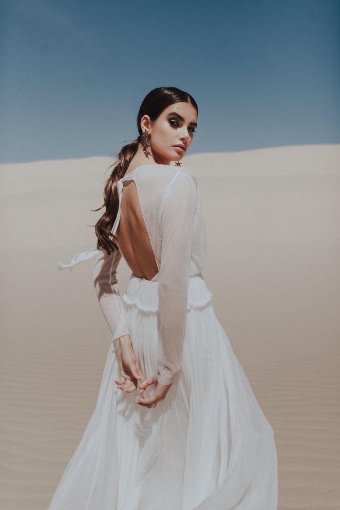 idée robe de mariée originale, couture nuptiale matière tendance 2019, modèle de robe blanche à manches transparentes