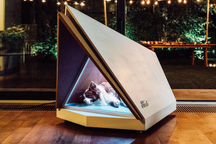 invention d une niche anti bruit pour chien pour lutter contre le bruit stressant du feu d artifice, invention ford Noise-Cancelling Kennel