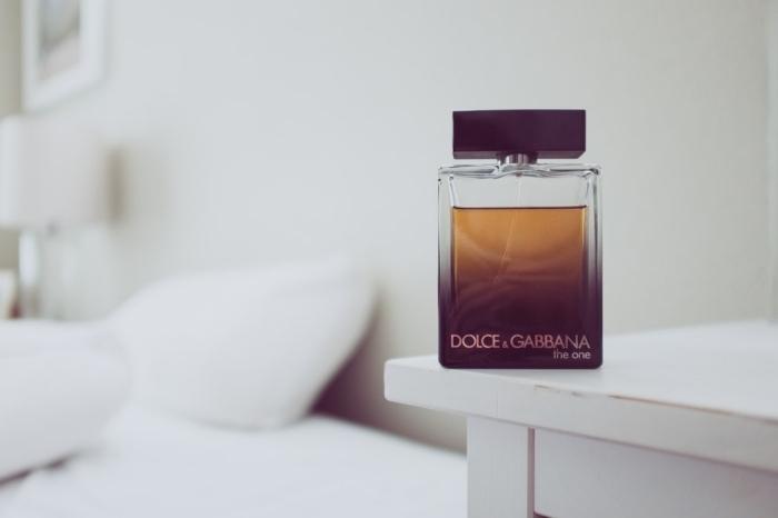 un parfum de luxe homme pour les pères amateurs des produits cosmétiques de luxe, idée cadeau homme 40 ans