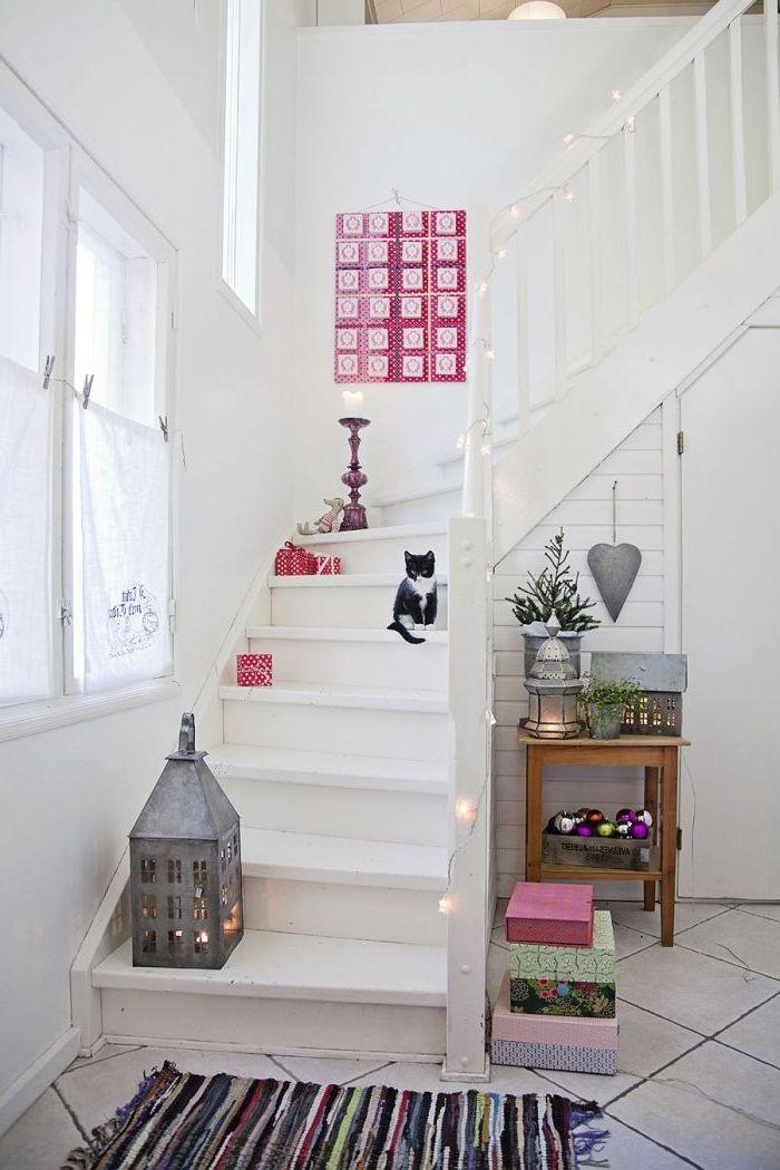 renovation escalier bois avec un petit budget, escalier peint tout en blanc qui se fond dans le décor