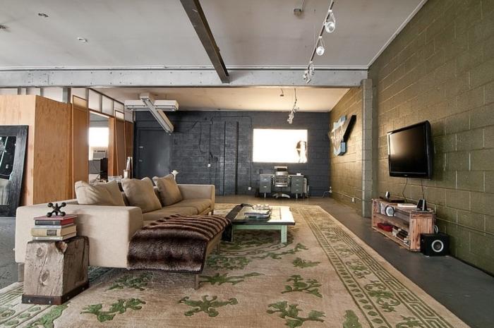 comment transformer son garage en salon, modèle de pièce à vivre aménagée dans un garage de style industriel