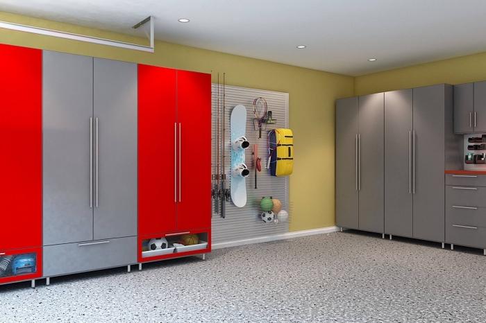 peinture murale tendance 2019, exemple rénovation de garage, modèle meuble rangement fonctionnel avec tiroirs et armoires