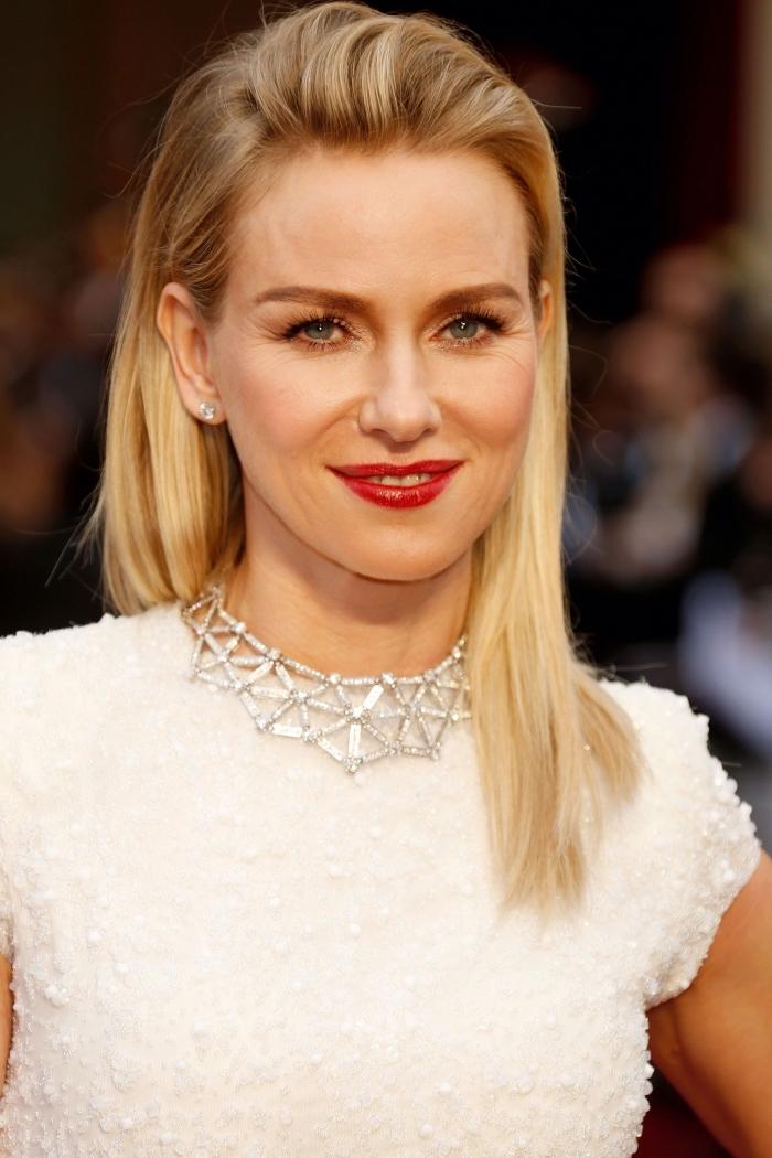 couleur de cheveux châtain avec pointes éclaircies, idée coloration pour yeux verts ou bleus, ombré racines châtain et longueurs blond doré