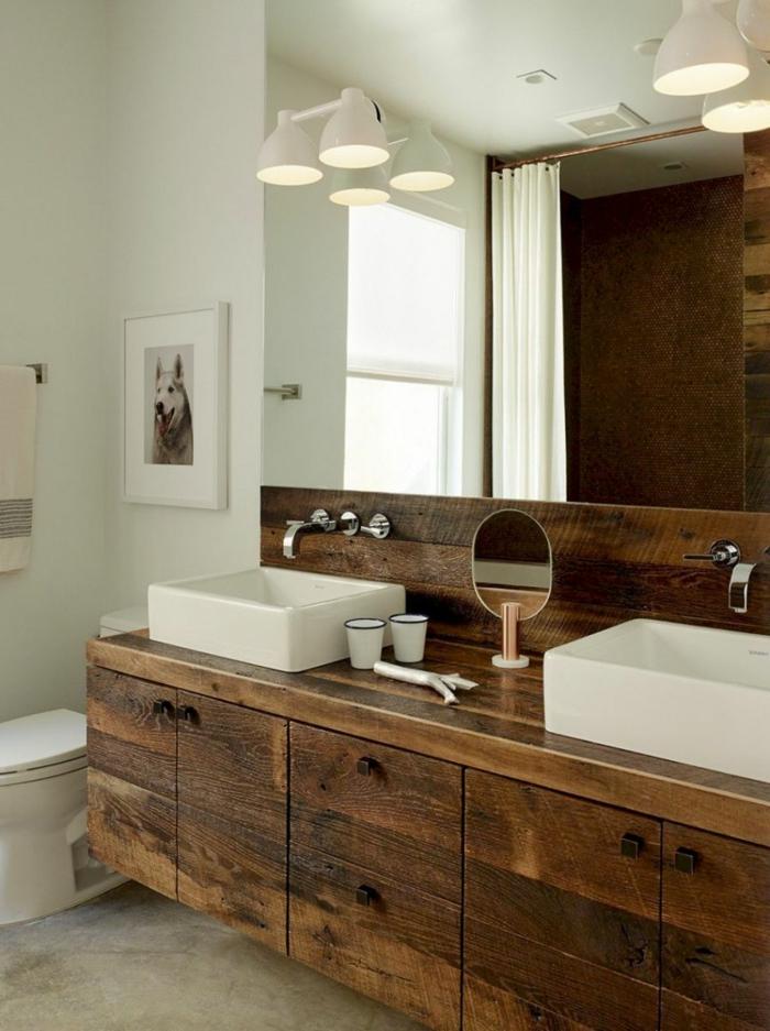 Meuble salle de bain industriel en bois, grand miroir salle de bain, relooker sa salle de bains, projet pour la décoration bois et blanche