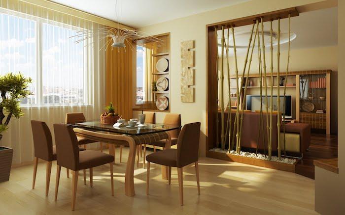 cloison de bambou, installé sur des planches de bois, idee comment séparer un salon et salle à manger beige et marron