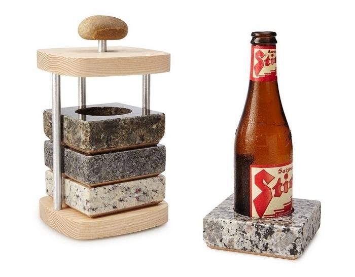 dessous de verre en granit avec socle réfrigérant rangés sur un support en bois, cadeau insolite homme de dernière minute à trouver sur amazone