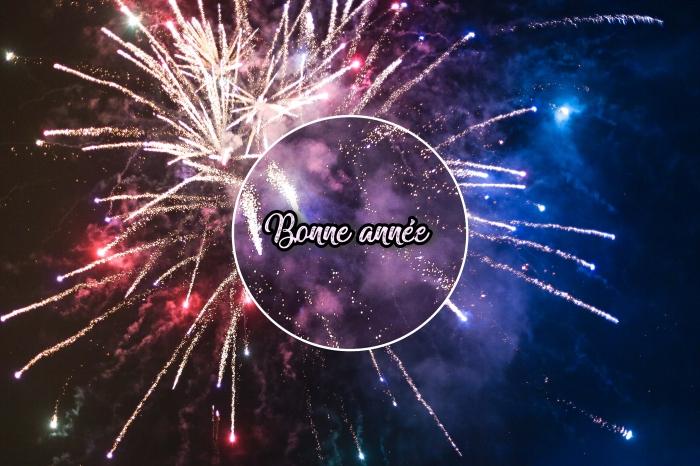fond d'écran pc pour nouvel an, idée photo bonne année avec feux d'artifice, photographie spectacle lumières