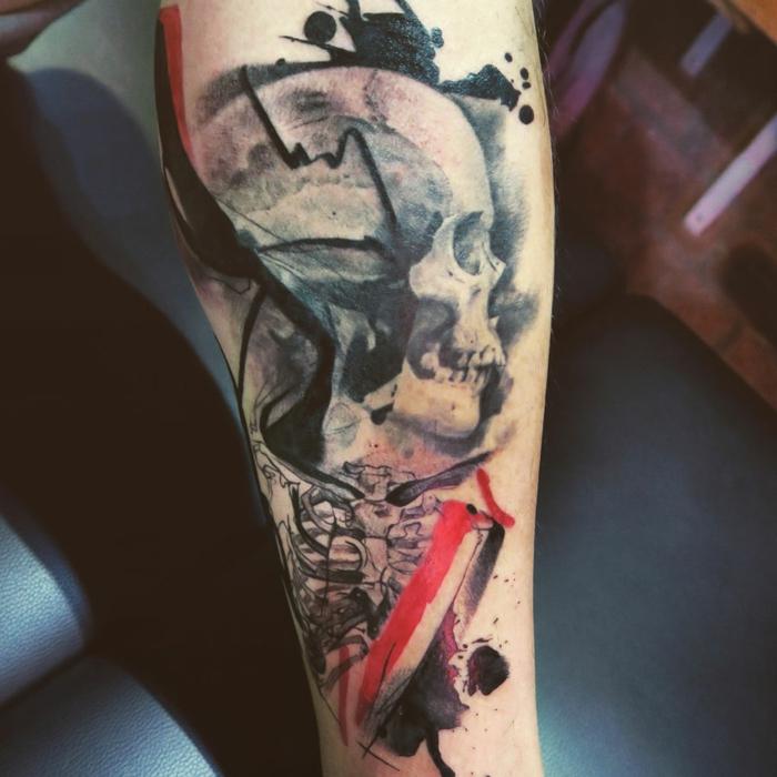 Cool idée tatouage homme tatouage ours modele de tatouage abstrait crane coloré, encre taches abstrait art tete de mort tatouage