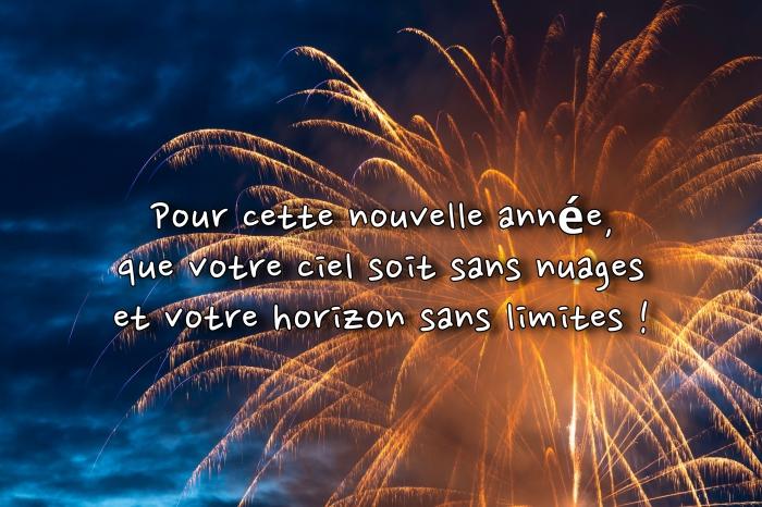 voeux 2019 originaux, idée photo feux d'artifice, image célébration nouvel an dehors, souhaits pour nouvel an