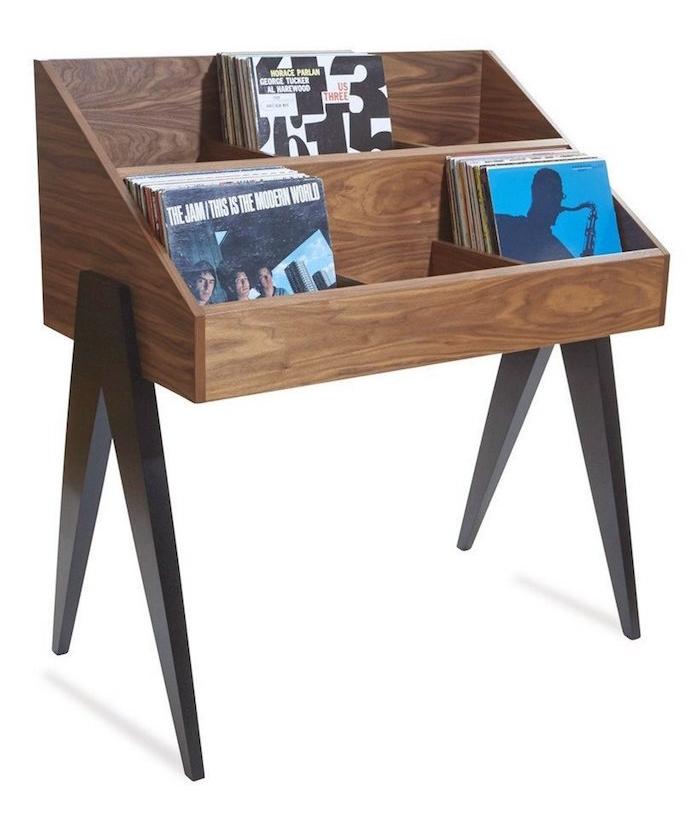 meuble en bois sur pied type présentoir rangement facile pour disques vinyles fait main par atocha