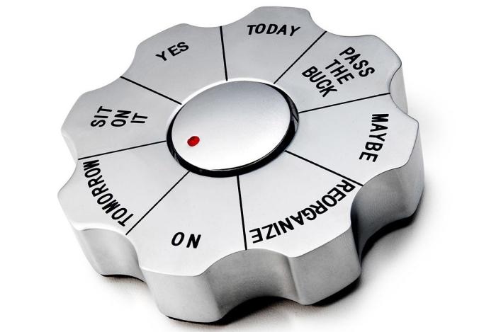 exemple de cadeau original pour femme ou homme, modèle de spinner en métal pour prendre décisions facilement