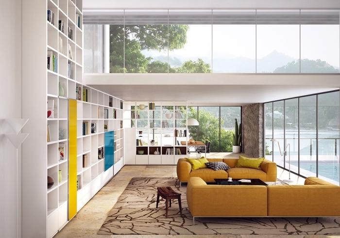 design intérieur salon blanc moderne avec meubles bois blanc, modèle de canapé jaune moutarde en velours ou cuir