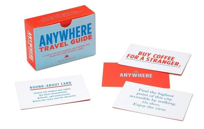 cadeaux pour fans d'aventures et voyages, idée originale saint valentin, jeux de cartes avec défis et aventures