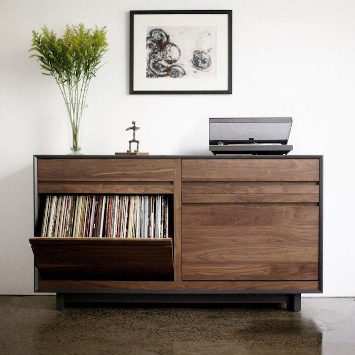 buffet en bois avec tiroir coulissant pour rangement vinyles sur mesure et support platine vinyle