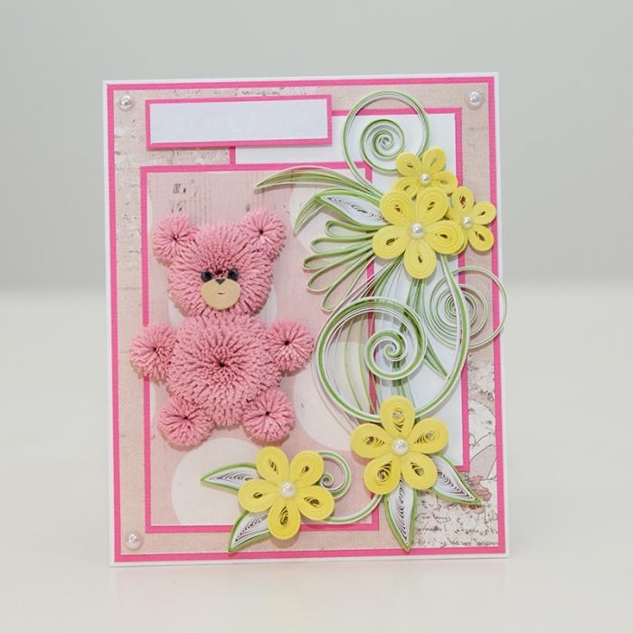 idée pour activité manuelle adulte facile, carte anniversaire pour enfant, modèle carte DIY en papier rose pastel