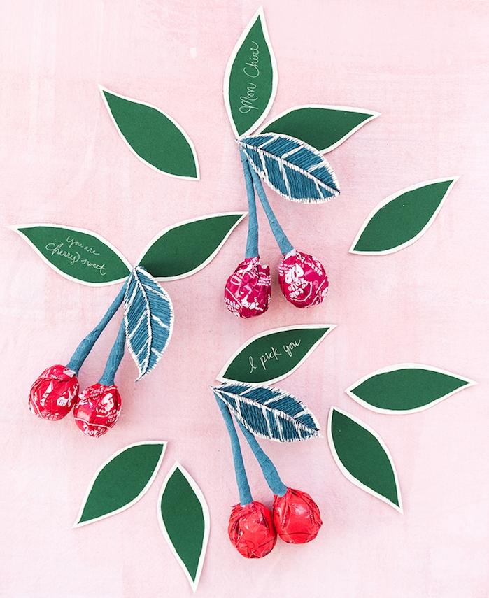 idée surprise saint valentin originale carte de voeux gourmande avec des bonbons et message d amour écrits sur les feuilles de cerise