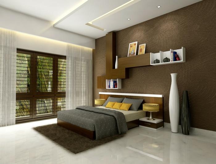 deco chambre peinture marron et blanc, deux grands vases, faux plafond et spots lumineux