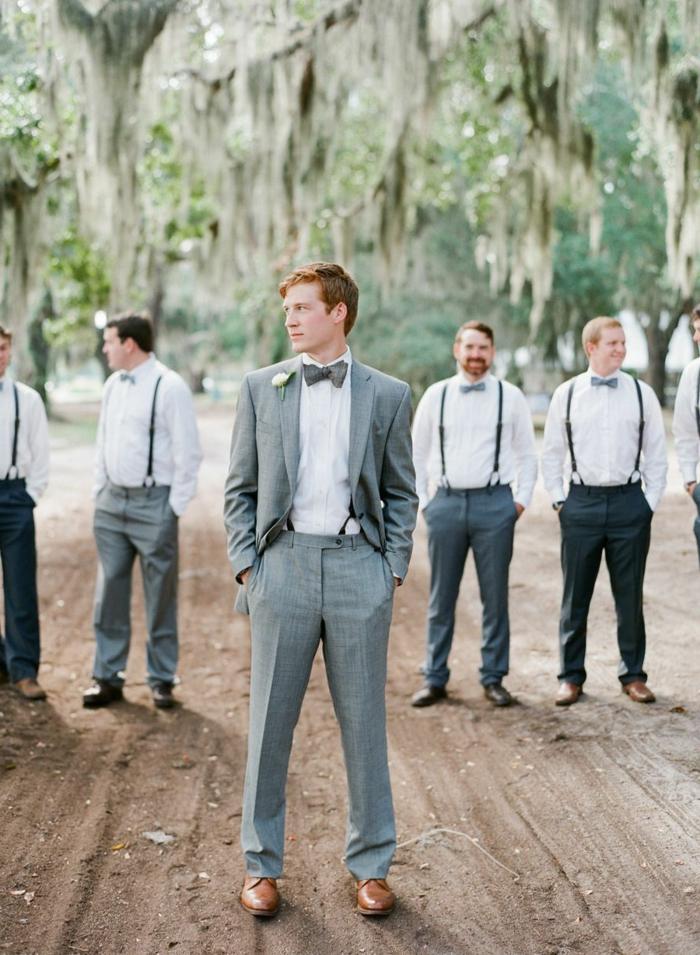 chaussure mariage homme, costume gris, chemise blanche, noeud papillon et bretelles