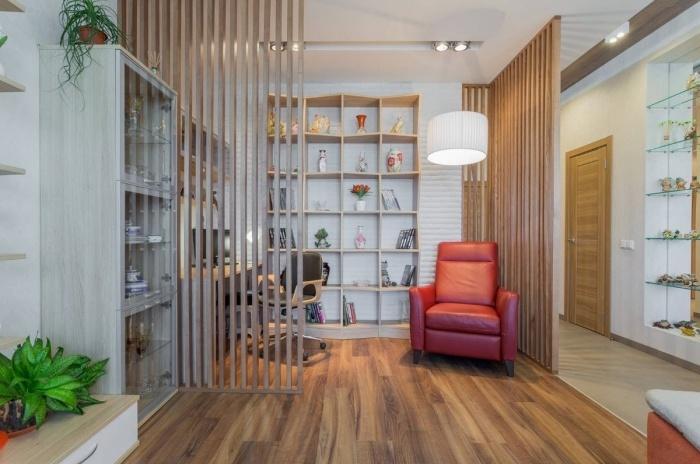 comment décorer une pièce blanche et bois avec plantes vertes et accents en rouge, design bureau à domicile moderne