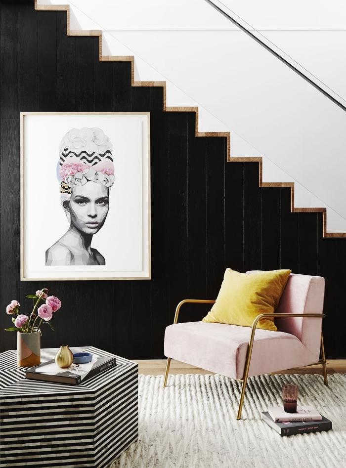 idée comment décorer l'espace sous escalier, modèle escalier moderne marches blanches et bois, déco féminine stylée en blanc noir et accents rose et jaune
