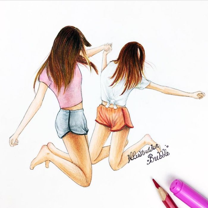 image meilleure amie, deux filles aux cheveux longs vêtues de shorts et tee shirts qui s amusent et dansent