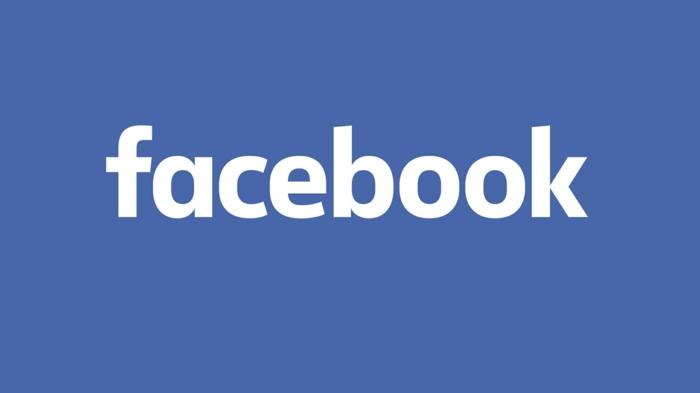 logo facebook blanc sur bleu pour illustrer l'actualité technews sur la nouvelle fonction pétition de facebook lancée aux états unis
