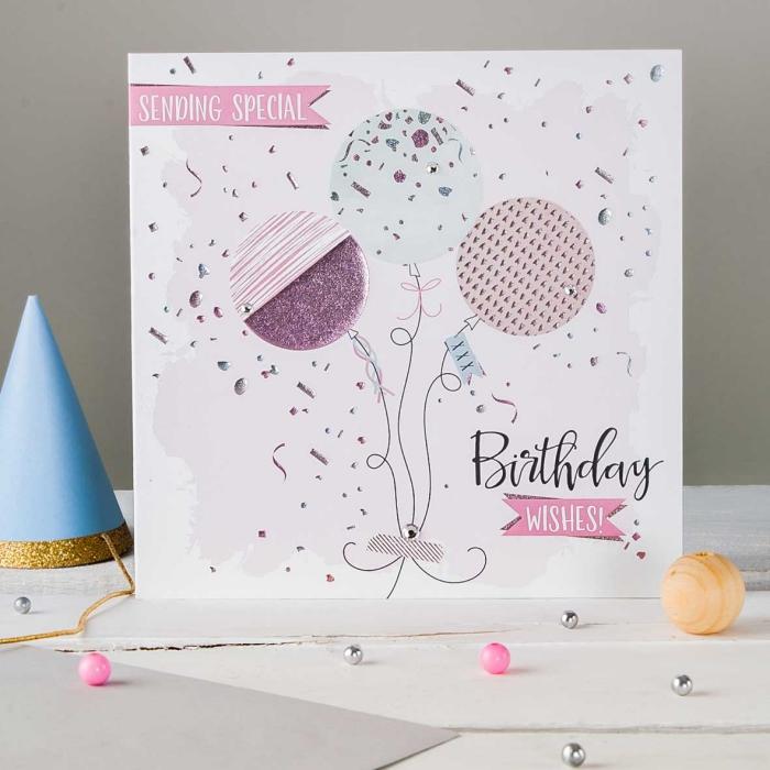 idée scrapbooking facile, modèle de carte DIY en papier cartonné décoré avec ballons en feuille scrap effet pailleté rose