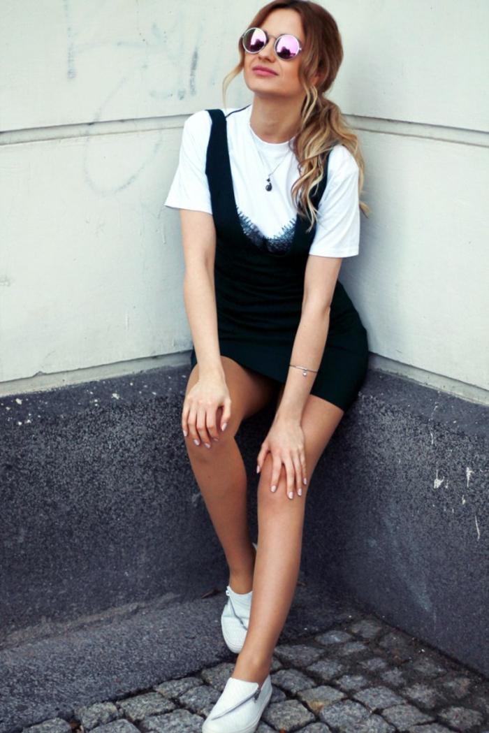 Tenue noir et blanc simple, salopette chic pantalon court et t-shirt  blanche, b2791ba4c7cc