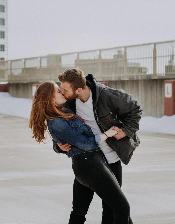 Couple qui s'aime, bonne saint valentin mon amour, belle image d'amour pour celui qu'on aime