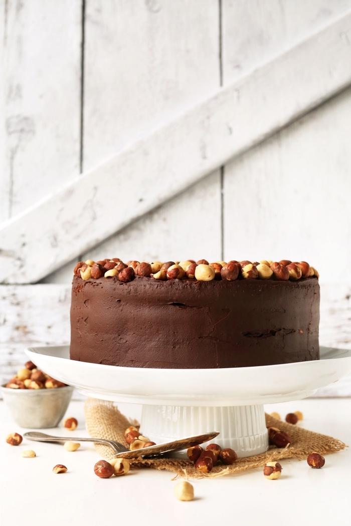 recette de pâte à tartiner vegan faite-maison, recette vegan gateau au nutella en version vegan et aux noisettes