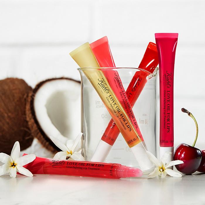 produits cosmétiques pour femme, idée cadeau saint valentin femme, lot d'huiles à lèvres de Kiehl's, cadeau pour le 14 février femme