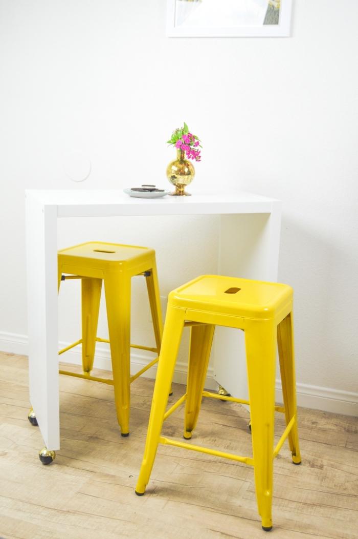 ikea bidouille pour réaliser un mini-îlot de cuisine mobile à partir d'un petit meuble kallax à quatre cases