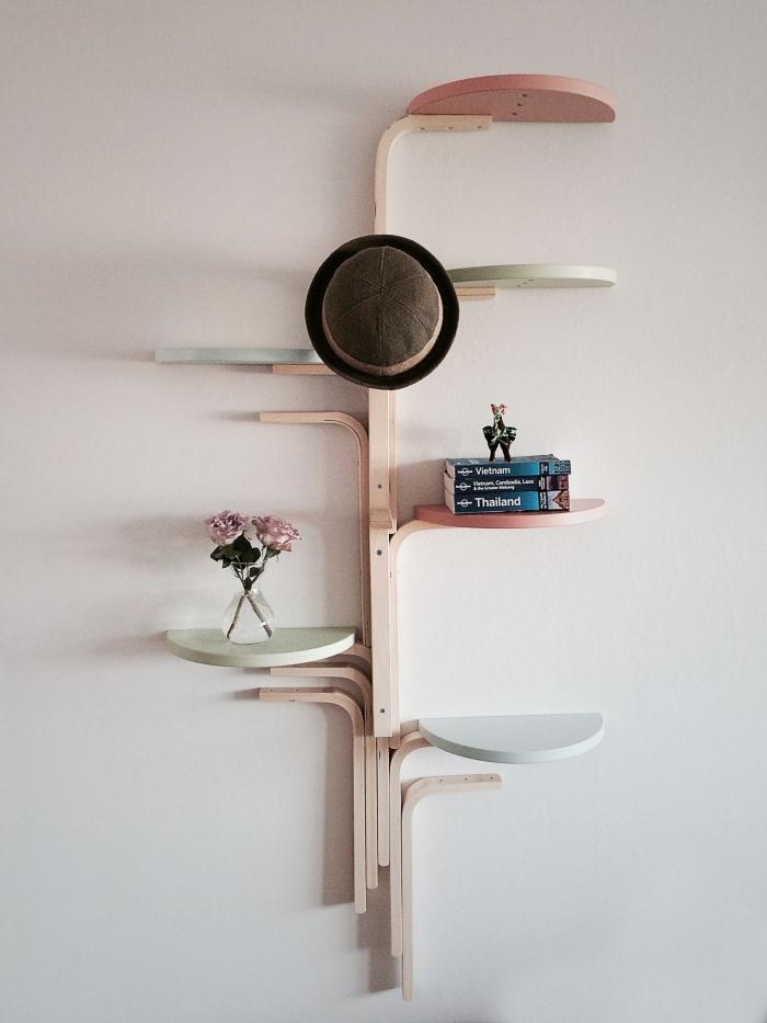 construire une étagère murale en forme d'arbre à partir de tabourets frosta, bidouille ikea avec des meubles en kit