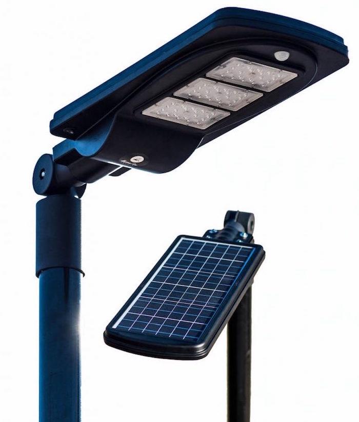 Le lampadaire solaire connecté Flex de l'entreprise française LUMI'In, primé au ces 2019 dans la catégorie climate change innovators