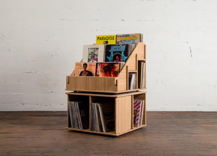 meuble rangement pour vinyles en deux parties avec boites casiers et support en présentoir sur le dessus